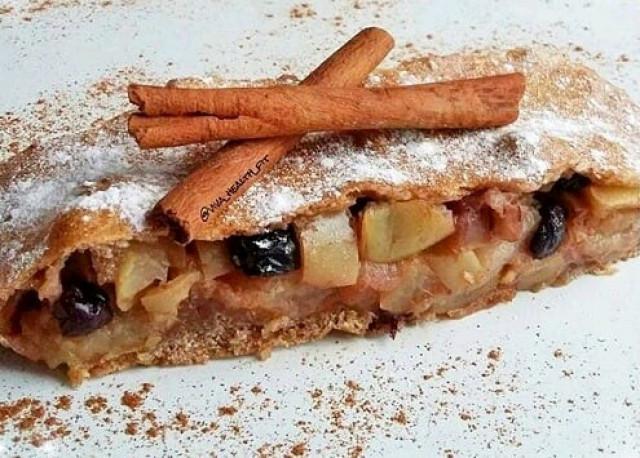 ПП-штрудель с яблоками, изюмом и грецкими орешками