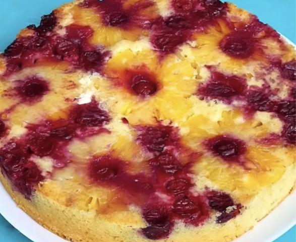 Пирог перевертыш с ананасами и вишней🥧