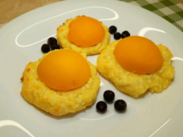 Сырники с персиками