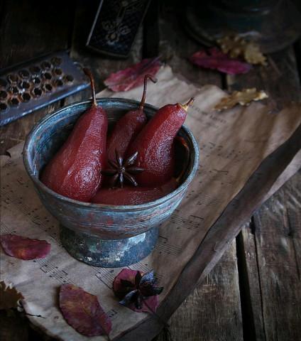 Пряные груши в вине