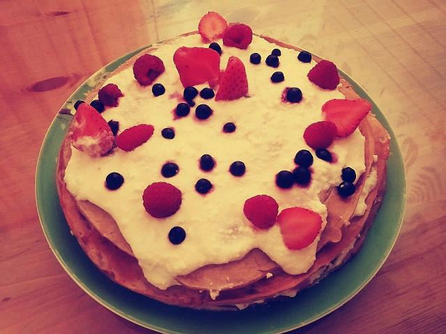"""Творожный тортик """" Ягодный ручей"""""""