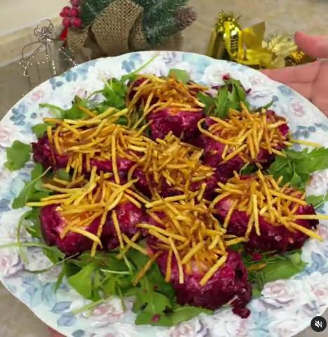 Салат с картофелем «Пай» и вкусным соусом