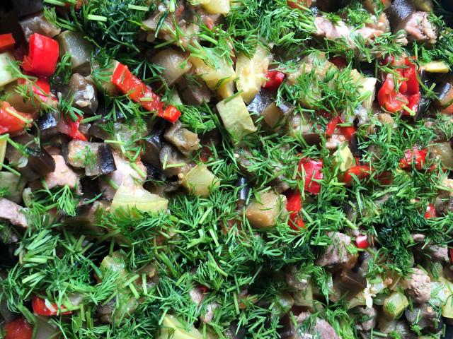 Овощи тушеные с индейкой