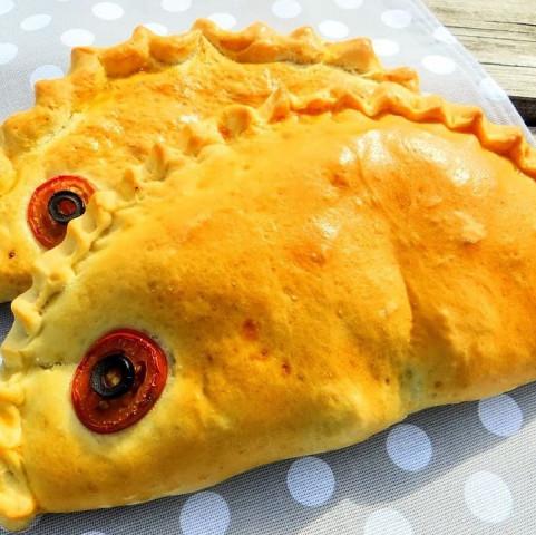 Пирог с картофелем и сайрой