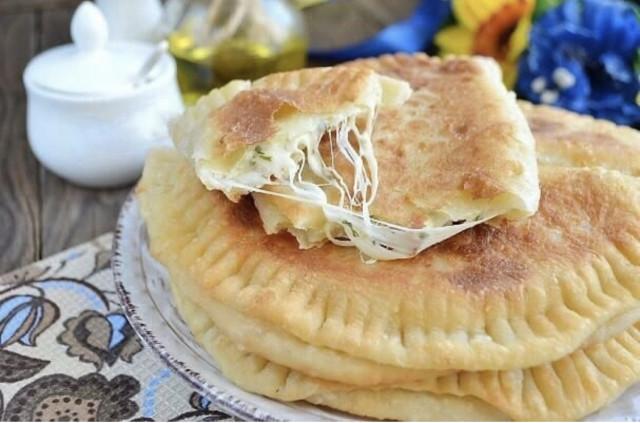 Ароматные и вкусные кутабы с сыром и зеленью