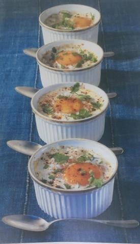 Яйца, запеченные с крабами