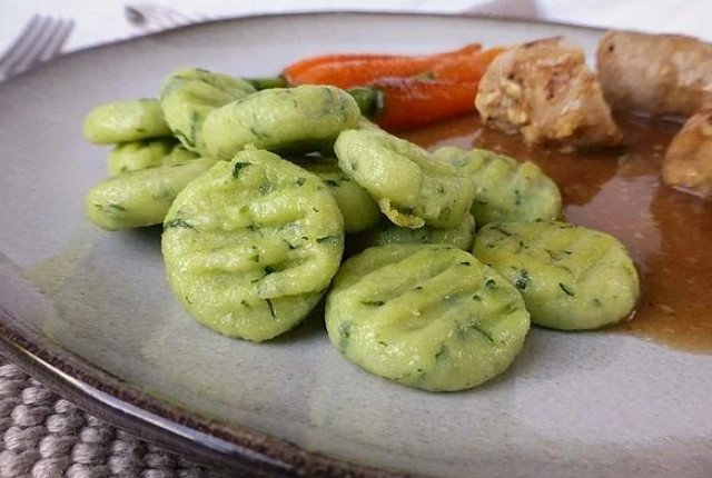 Ньокки (клецки) с зеленым чесноком