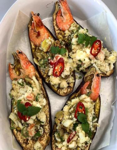 Баклажаны фаршированные кус кусом , морепродуктами и сыром Фета