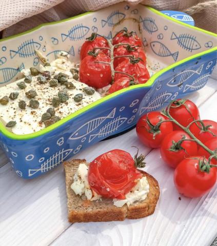 Запечённая Фета с помидорками