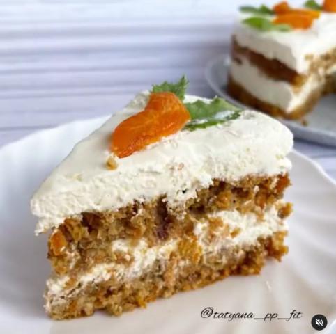 Финиково-морковный торт