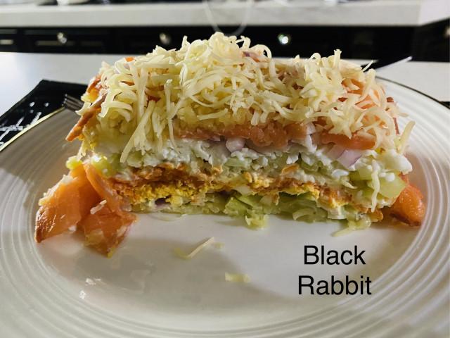 Слоеный салат с сёмгой «Декабристка»