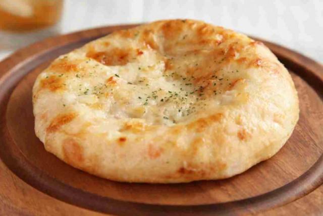 Фокачча с сыром и травами