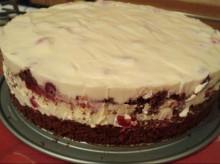 Шоколадный торт с вишней и сметанным кремом без глютена - фото приготовления рецепта шаг 12