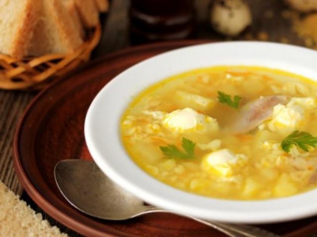 Куриный суп с булгуром и перепелиными яйцами