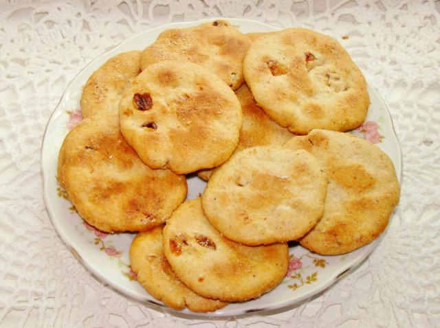 Легкий рецепт овсяного печенья с изюмом и корицей
