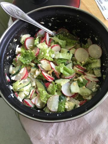 Салат «Полезный» с редисом