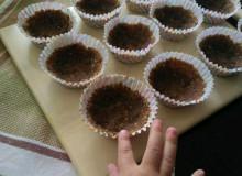 Малиновые пирожные без выпечки - фото приготовления рецепта шаг 3