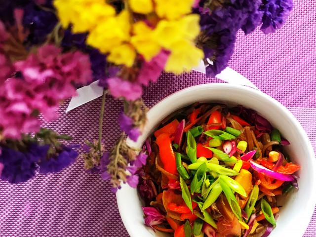 Гречневая лапша с овощами в азиатском стиле