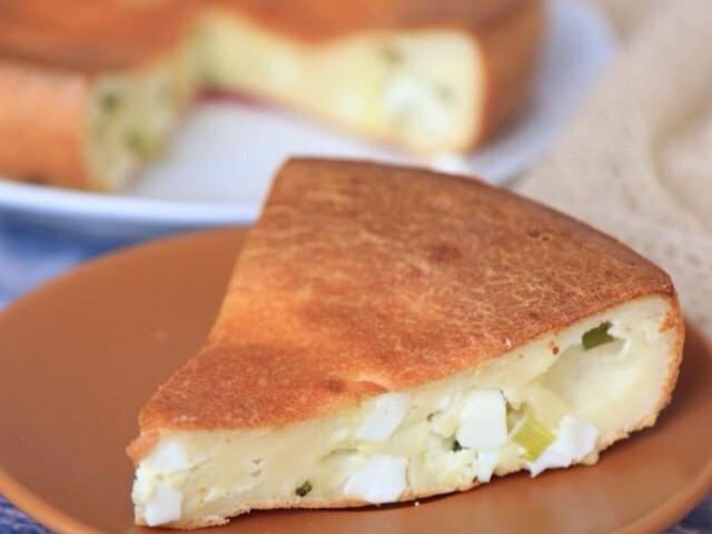 Заливной пирог с яйцом и луком