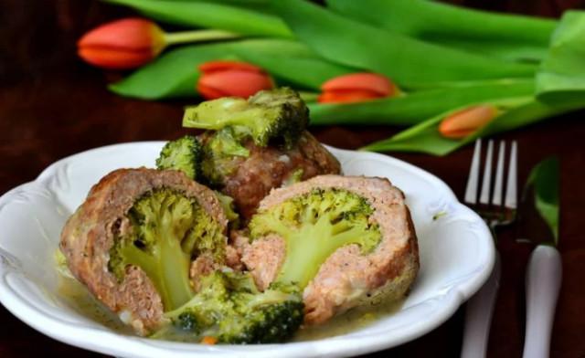 Мясные фрикадельки с брокколи