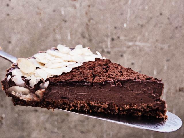 Веганский шоколадный торт из тофу