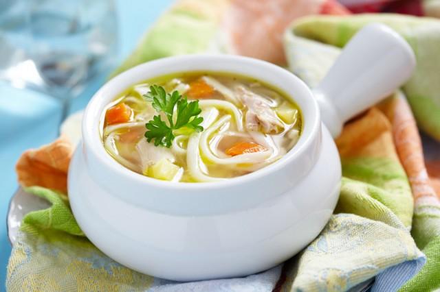 Суп овощной с лапшой