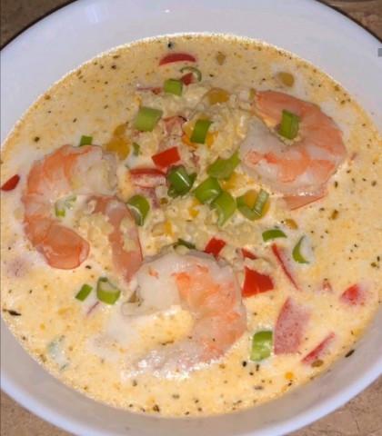 Суп чаудер с пшеном, креветками и кукурузой