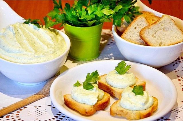 Домашний творожный сыр с зеленью