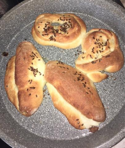 Румяные льняные булочки