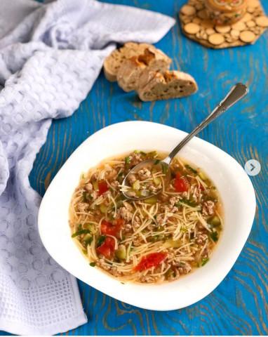 Быстрый суп с фаршем и вермишелью 🍲