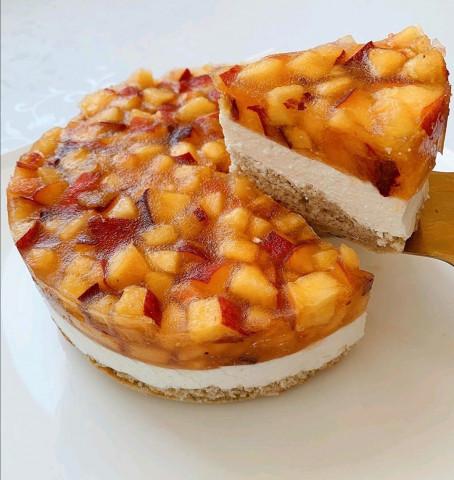 Персиково-банановый торт-суфле