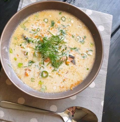 Сырный суп с форелью