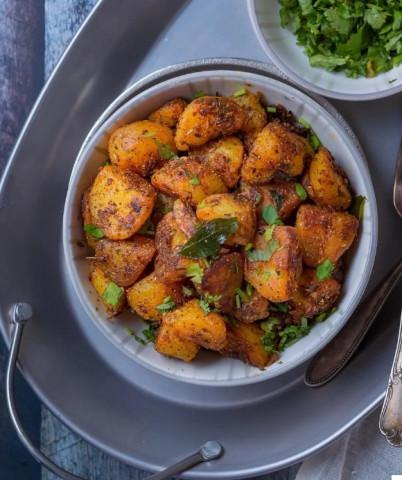 Жареная картошечка в ароматных специях