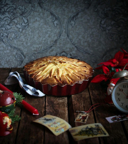 Пирог с яблоками с хрустящей корочкой