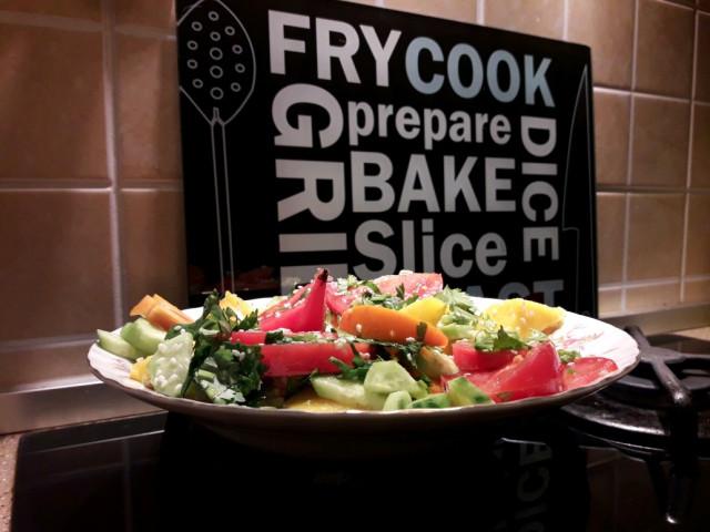Фруктово -овощной салат