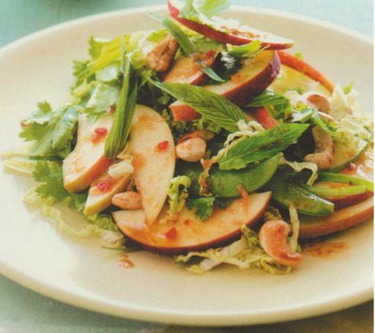 Яблочный салат по-тайски