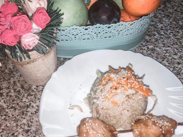 Куриный шашлык с Булгуром и маринованным салатом