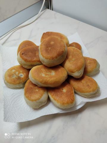пирожки с печенью жаренные на сковороде