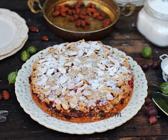 Сладкий пирог с подрумяненным миндалем