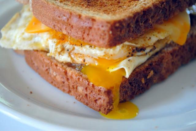 Яичный сэндвич