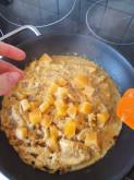 Пряная куриная грудка в сладковато-остром молочном соусе с тыквой - фото приготовления рецепта шаг 7