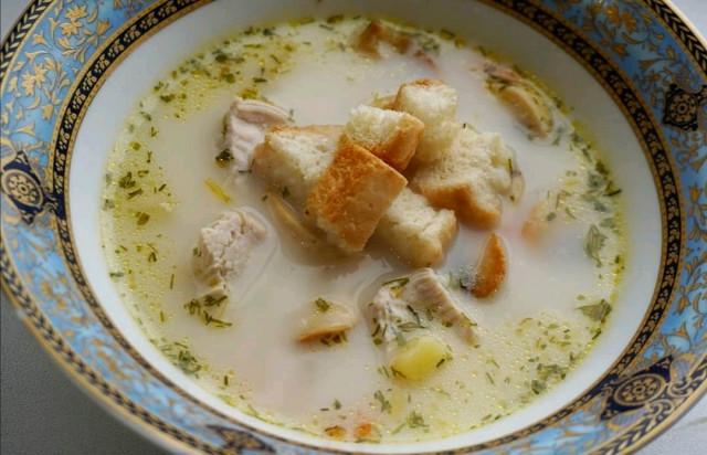 Сырный суп с грибами и индейкой