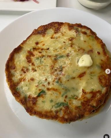 Картофельно-сырные лепешки с зеленью