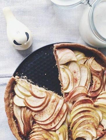 Яблочный пирог с ванильным кремом
