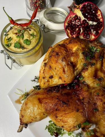 Сочная курица с хрустящей корочкой с яблочно-горчичным соусом