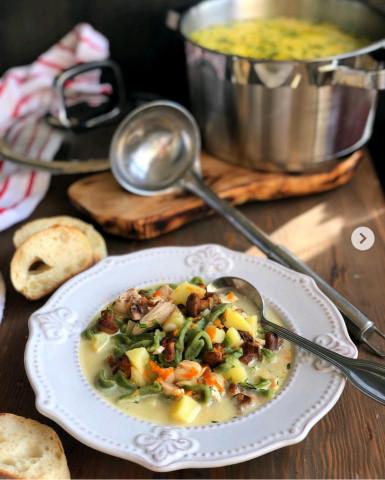 Сливочный суп-лапша с курицей и грибами🍲