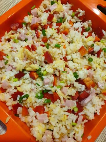Запеканка из риса и ветчины
