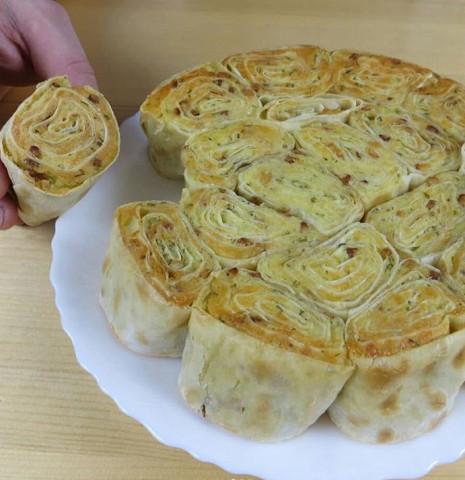 Отрывной пирог из лаваша с картофелем и сыром