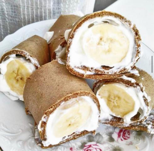 Шоколадный ролл с бананом