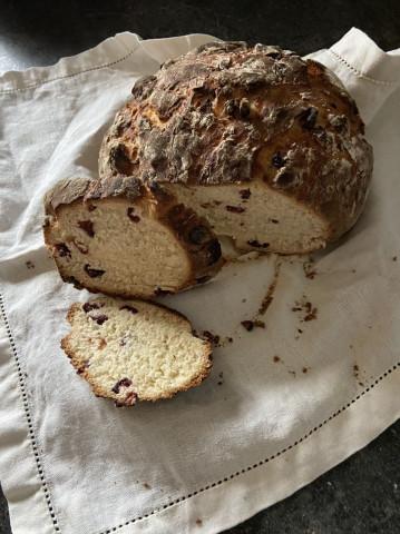 Хлеб с клюквой и медом – простой рецепт без замеса